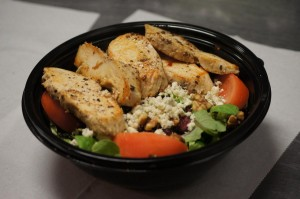 blue cheese salad with grilled chicken